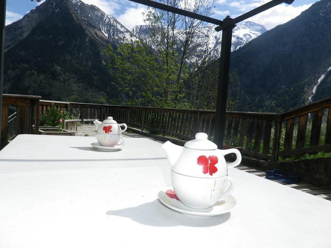terrasse avec teiere